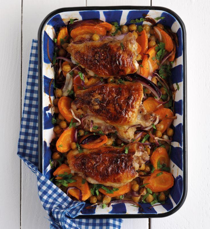 עוף צלוי עם ירקות שורש - באדיבות beko מותג מכשירי החשמל לבית