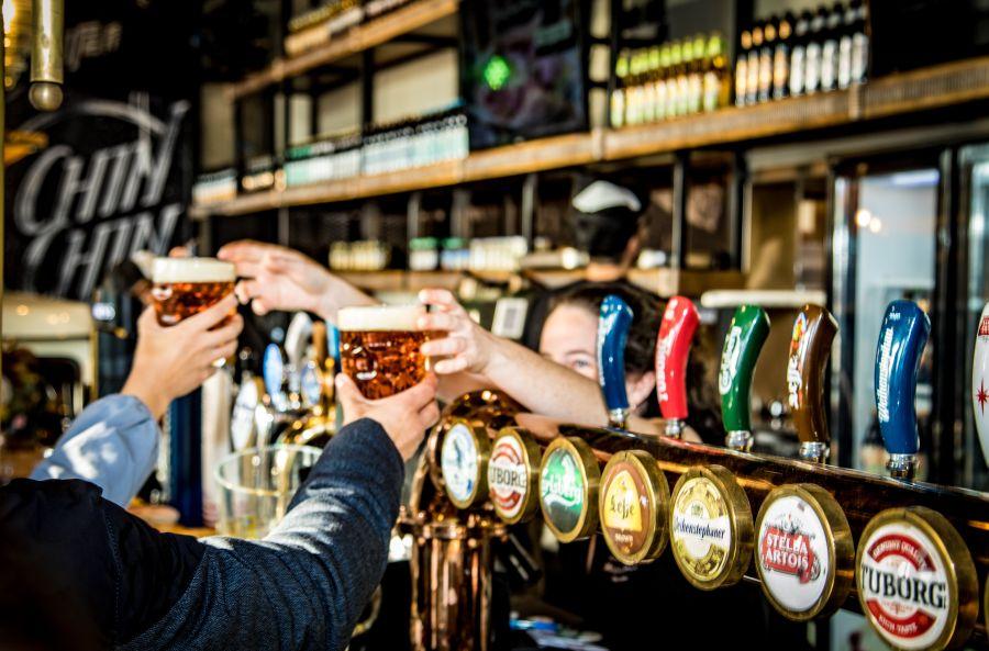 פסטיבל הבירה העולמי אוקטוברפסט ברשת הברים הלונדונית Lager & Ale