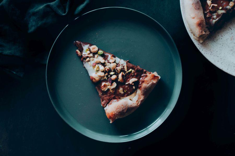 קינוח פיצה שוקולד מושחת וטבעוני צילום TEKA Studio